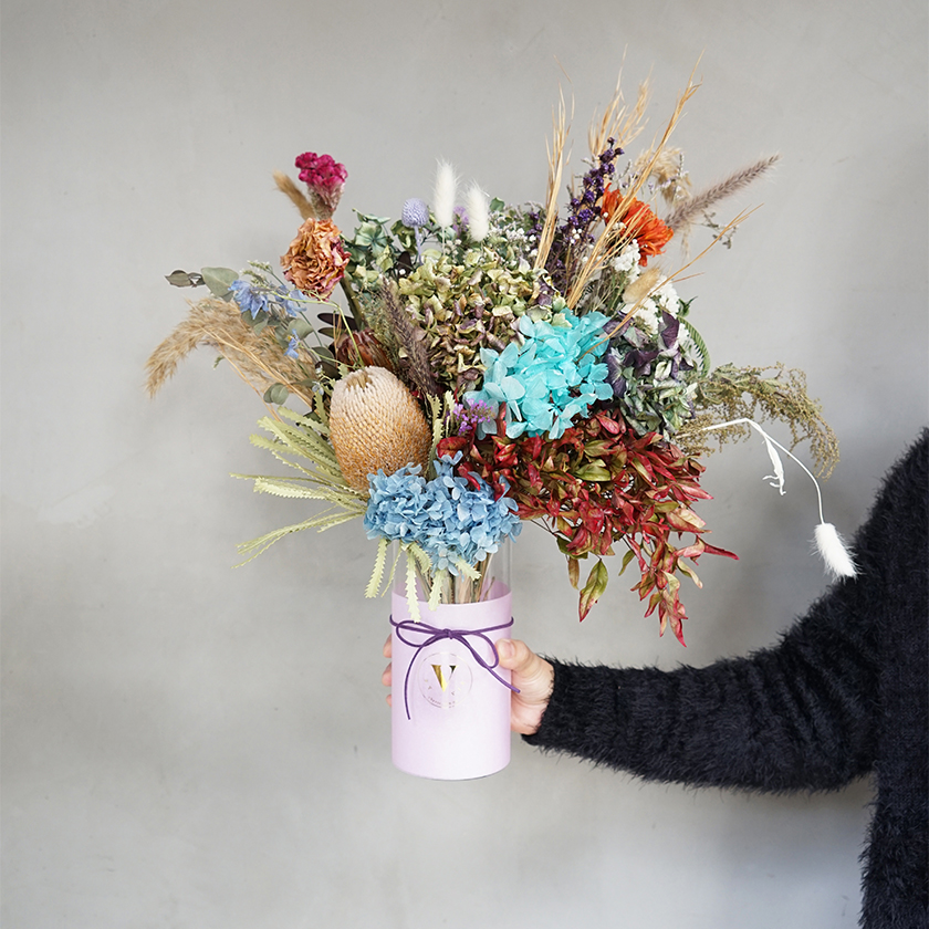 Dried Flowers In A Pot Floral Arrangements Flowers Plants V By Vie